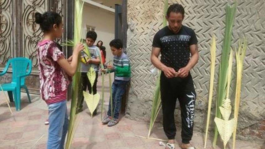 فيديو| في حضرة التفجيرات.. شباب يدخلون البهجة على أطفال الأقباط بالإسماعيلية