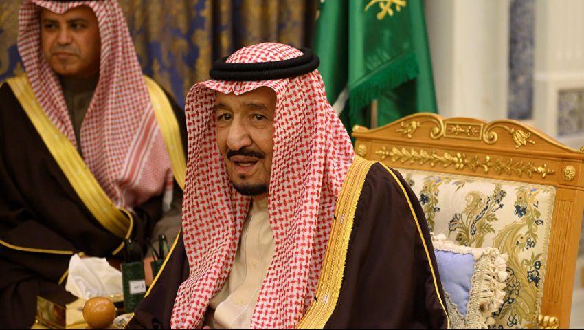 لأول مرة منذ 2017.. الملك سلمان يغادر السعودية