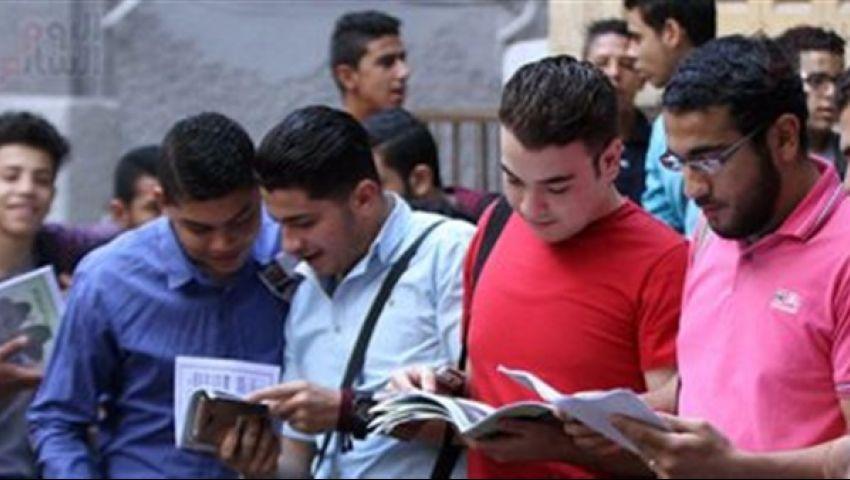 طلاب الدبلومات الفنية عن امتحان العربي: من الكتاب المدرسي