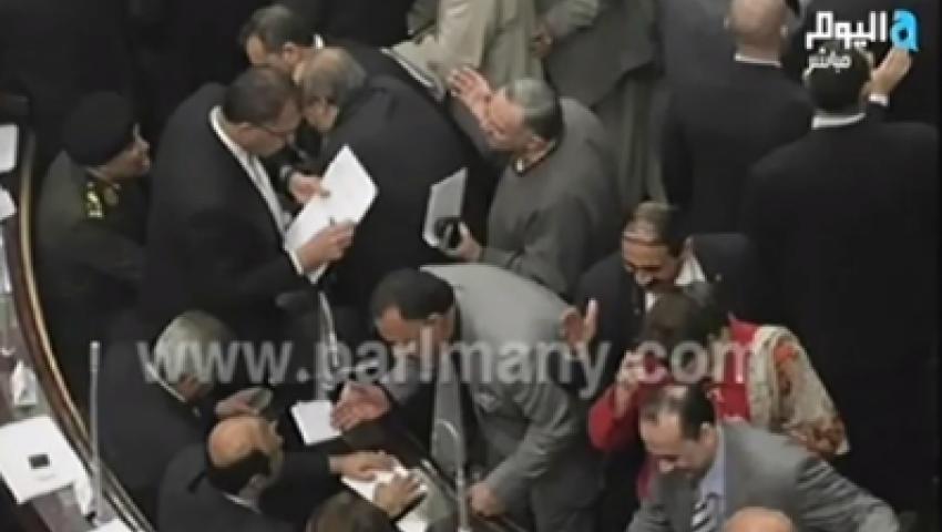 بالفيديو.. عمرو أديب:عيب اللي بيحصل في المجلس دا