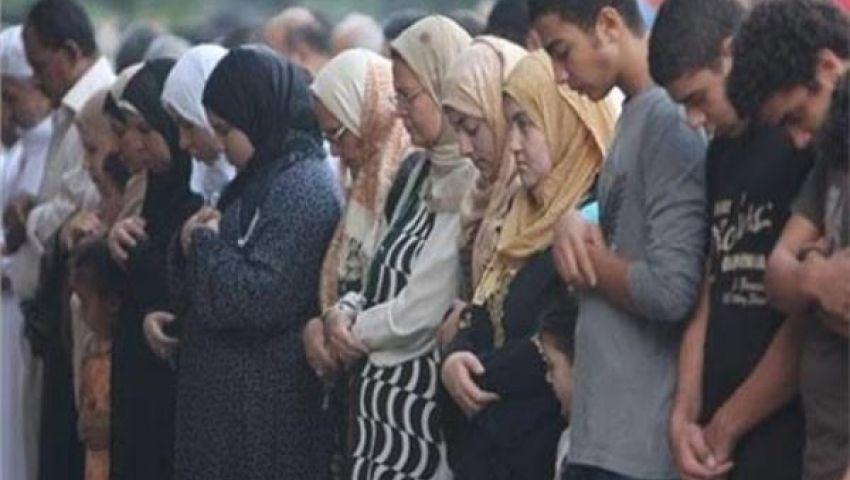 فيديو| هل يجوز اختلاط الرجال والنساء في صلاة العيد؟ الإفتاء تجيب