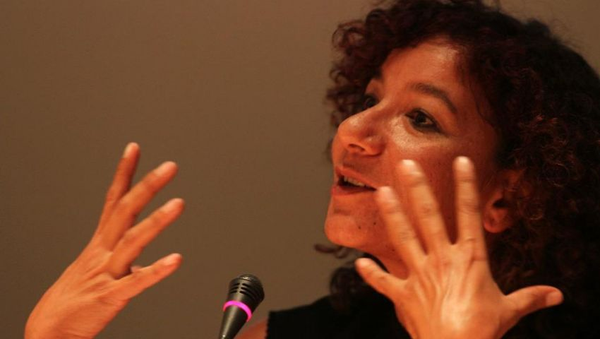 فيديو| المرشحة المحتملة للرئاسة.. منى برنس: «هاتولي توكيلات وأنا أدلعكوا»