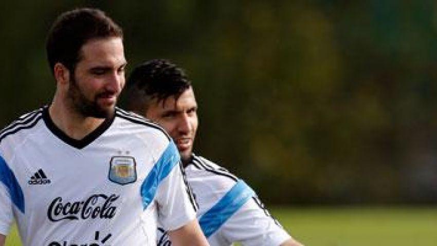 ليفربول مهتم بضم الأرجنتيني هيجواين