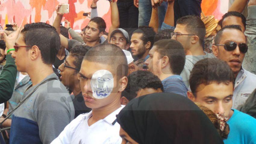 متظاهرون يطردون أنصار السيسي من التحرير