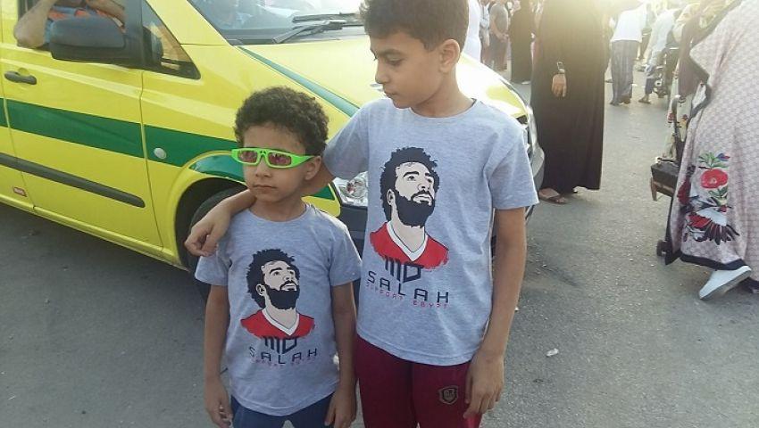 صور| بالأبواق وتشيرتات محمد صلاح.. الإسماعيلاوية يشجعون المنتخب في كأس العالم