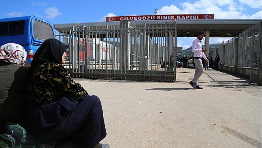 «رايتس ووتش»: تركيا تحتجز السوريين تعسفيًا وتجبرهم على الرحيل نحو الخطر