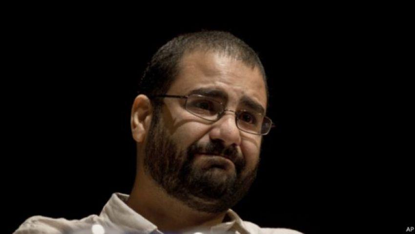 منى سيف: علاء عبد الفتاح يعيش في عزلة ثقافية داخل محبسه