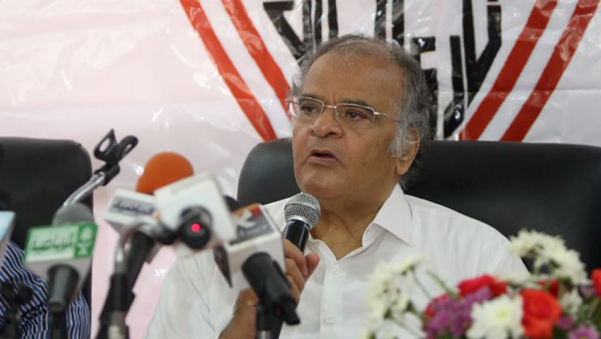 عباس واثق في قدرة الزمالك على عبور الأهلي