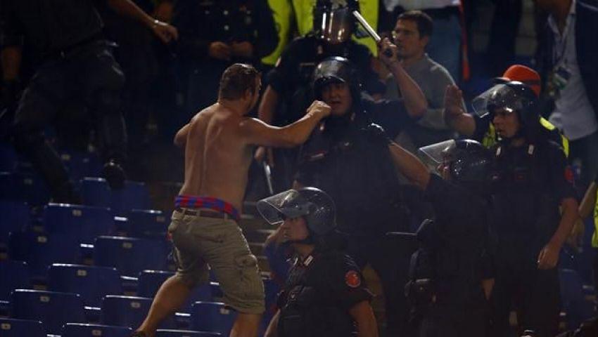 فيديو.. إلغاء مباراة في الدوري الأوروبي بسبب اشتباكات الجماهير
