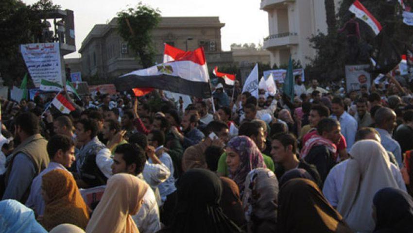 متظاهرو النهضة يطالبون مرسي بمواجهة الفلول