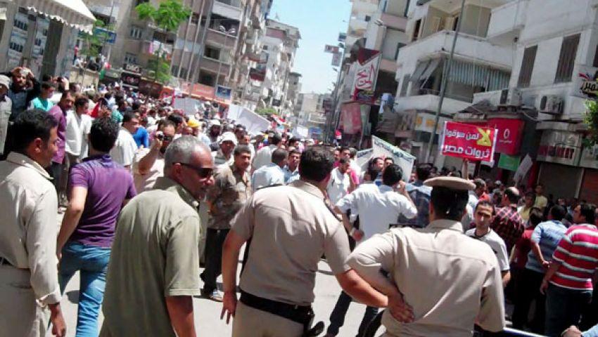 الشرطة تفصل بين مؤيدي ومعارضي مرسي في دمياط