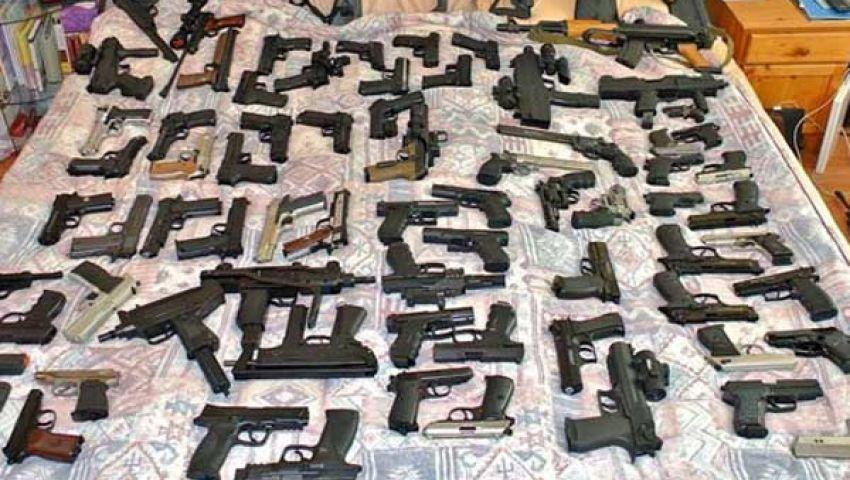 ضبط  17600 مسدس صوت معدل بميناء الإسكندرية
