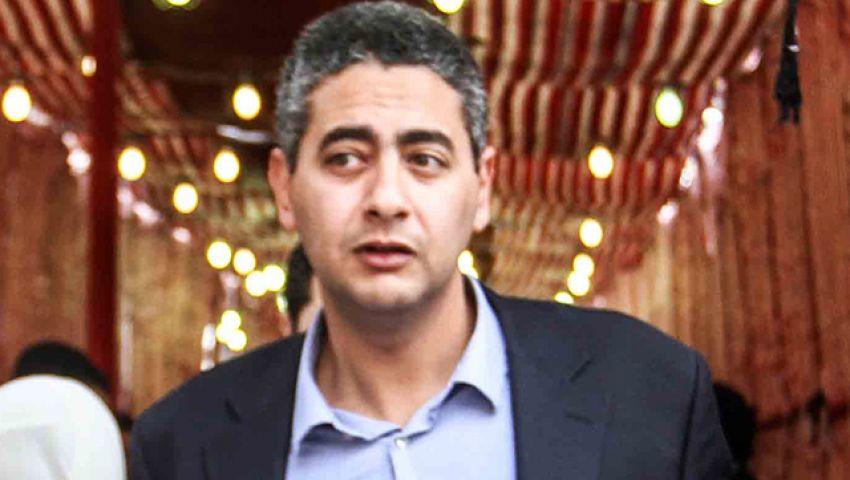 هليل يقدم درع الأهلي للسفير المصري في تونس