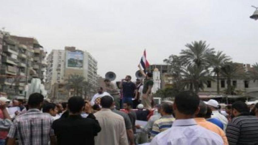 وقفة مناهضة للرئيس في ميدان الأربعين بالسويس