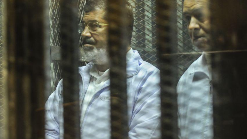 متهمو الإخوان يرفضون انسحاب هيئات دفاعهم من المحاكم