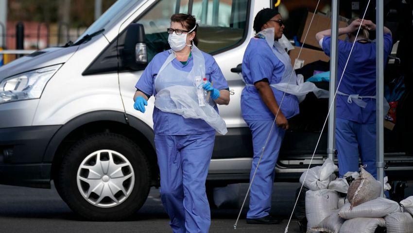 جارديان: أزمة تفشي فيروس كورونا .. الأسوأ قادم لبريطانيا