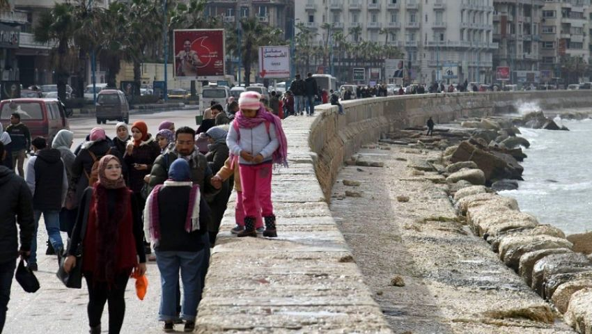 فيديو| سنتعامل بصرامة.. محافظ الإسكندرية يحذر من تجمعات الكورنيش