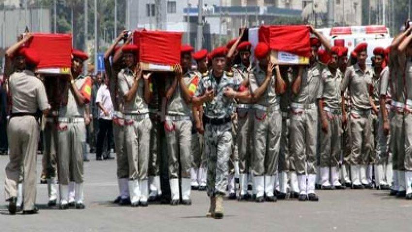 وزير الداخلية وعدد من قيادات الجيش يستقبلون جثامين جنود رفح