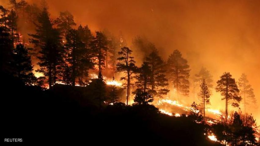 حرائق هائلة تهدد المئات في كاليفورنيا