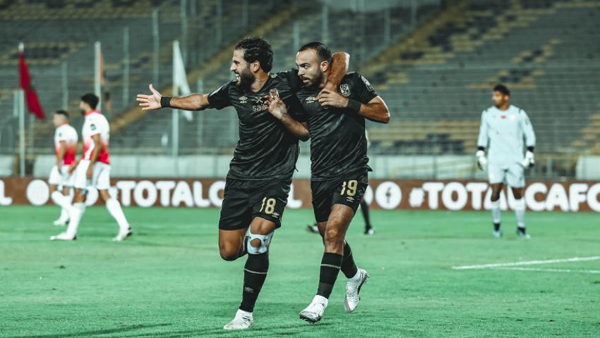 فيديو.. موسيماني يضع اللمسات النهائية لخطة وتشكيل الأهلي أمام الوداد غدًا