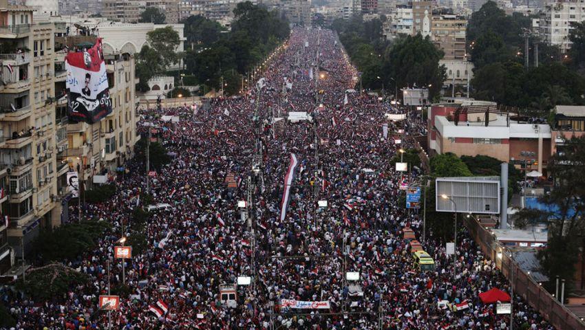 متظاهرو الإتحادية يحيون  السيسي فور وصوله