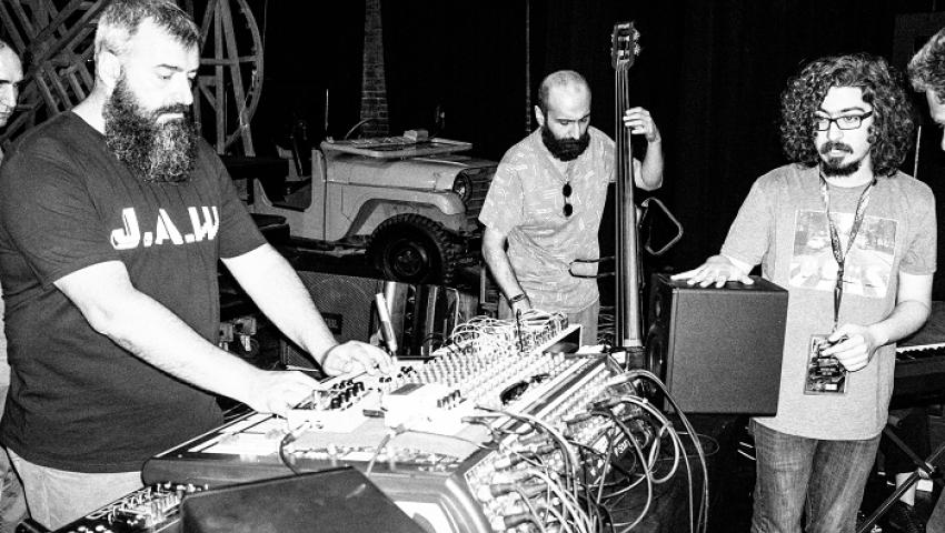 الجارديان: رغم عقود القمع.. الموسيقى تجد سبيلاً في إيران