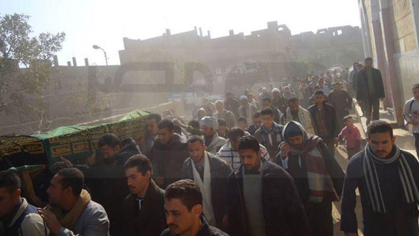 بالصور.. جنازة حاشدة لقتيل أحداث أمس بسوهاج