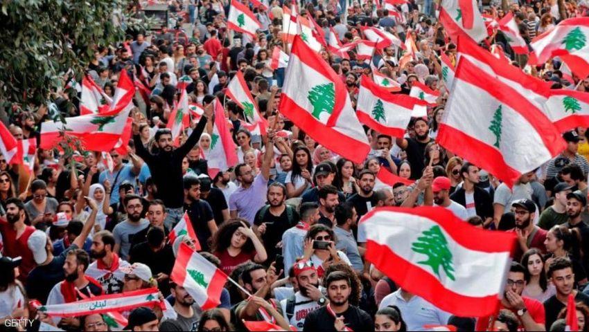 كاتب لبناني يتحدث عن الثورة والفوضى واتفاقية طائف جديدة (حوار)