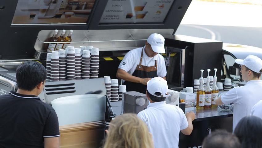 بـ«سيارات القهوة المتنقلة».. هكذا يواجه الشباب البطالة في مصر