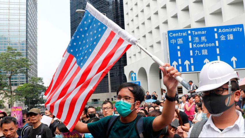 لهذا السبب.. متظاهرو هونج كونج يدعون ترامب «لتحرير» مدينتهم