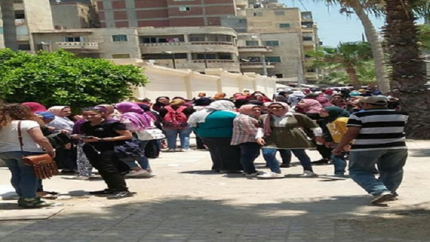 بالصور| ارتياح بين طلاب الثانوية العامة بالإسكندرية لسهولة «اللغة الأجنبية الثانية»