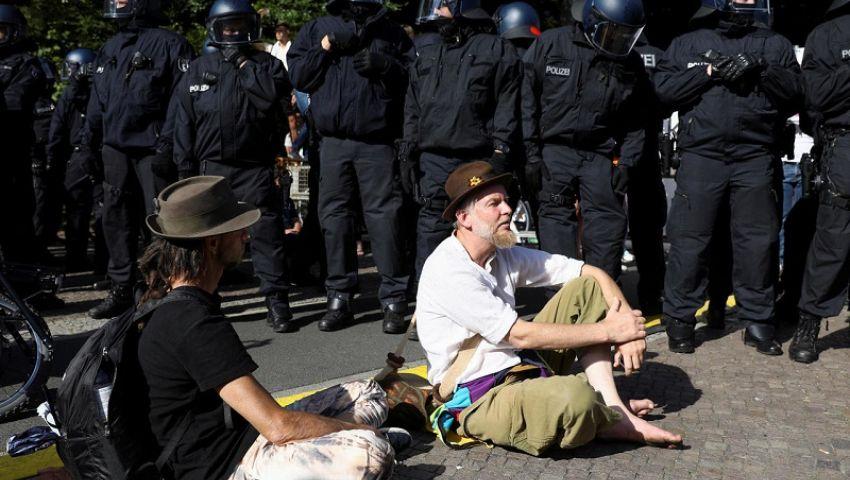 ألمانيا تفض مظاهرات قيود كورونا في برلين.. وإصابة 18 شرطي
