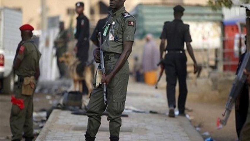 مسلحون يخطفون عاملين أجنبيين ويقتلون شرطيًّا في نيجيريا