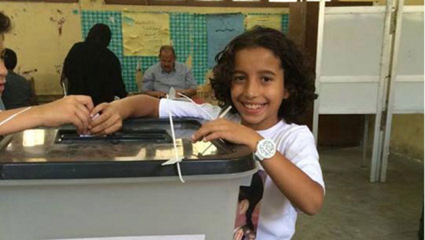 طفل في الـ10 يدلي بصوته بالانتخابات الرئاسية