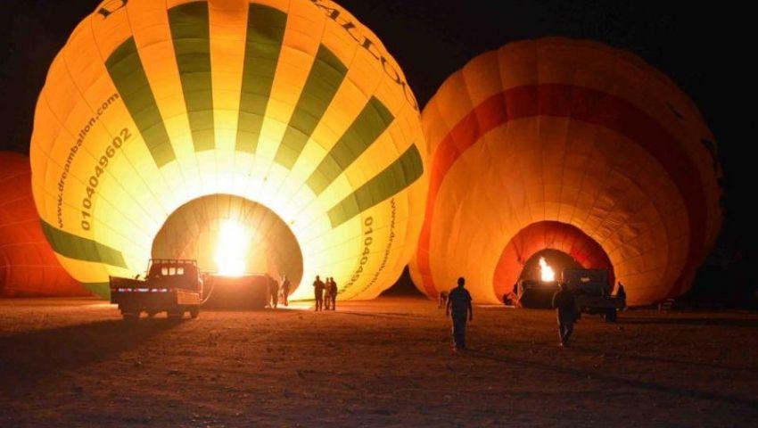 بالصور| رحلات البالون الطائر بالأقصر.. مغامرات محفوفة بالمخاطر