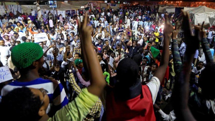 بعد قرابة 50 يوما من عزل البشير.. لماذا يراهن السودان على ورقة الإضراب؟
