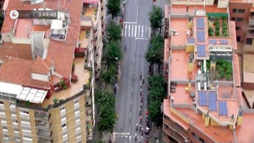 بالصدفة.. كاميرات سباق للدراجات ترصد جريمة فوق سطح منزل
