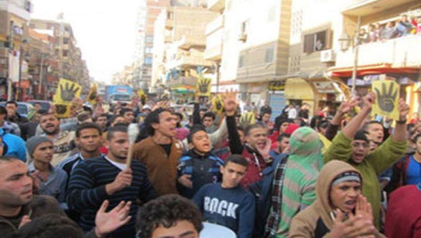 الأمن يستخدم الغاز في تفريق مسيرة بكفر الشيخ