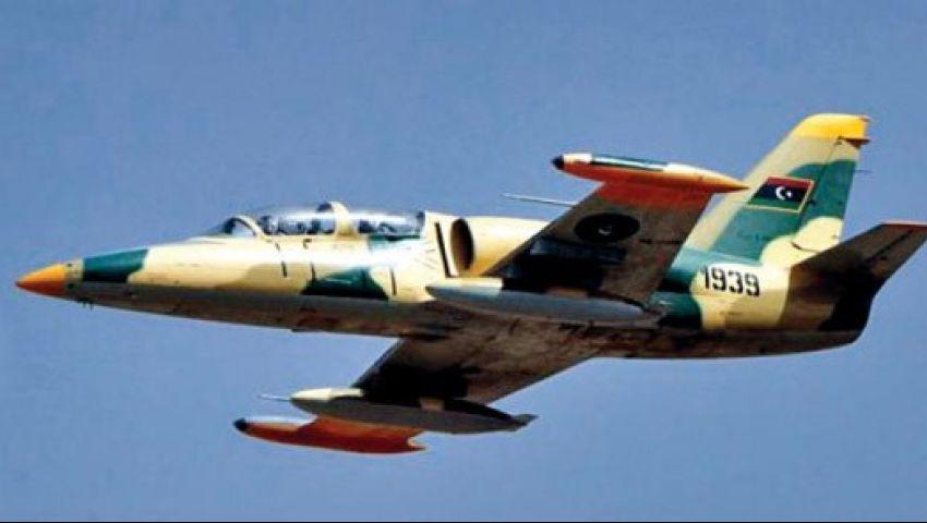 طائرات حفتر تقصف مشروعا سكنيا غرب ليبيا