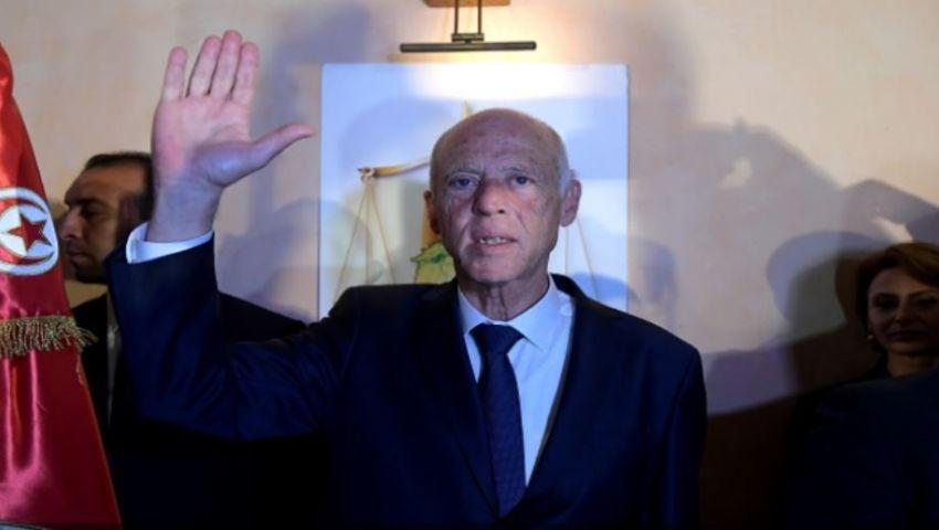 قيس سعيد رئيس تونس الجديد حديث «تويتر».. ومغردون: «درس جديد في الديمقراطية»