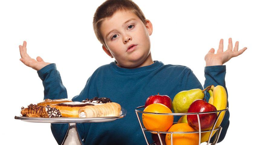 احمي طفلك من حلويات رمضان