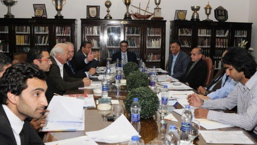 مجلس الأهلي يبدأ اجتماعه ويتجاهل ثورة الأعضاء