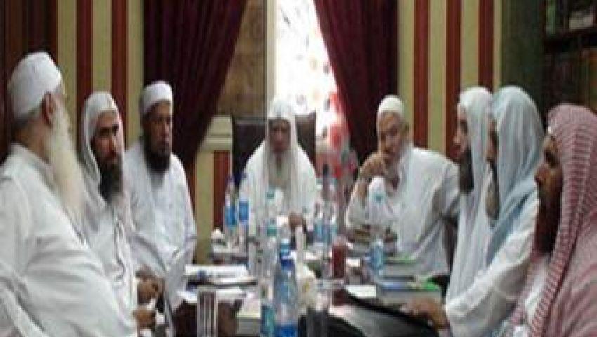 شورى العلماء يطالب الجيش بإعادة مرسي