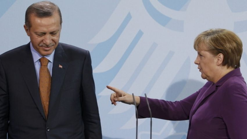 صحيفة ألمانية تطالب ميركل بـ فرملة أردوغان