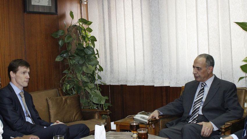 السفير البريطاني بالقاهرة يحذر من التدخل في أحكام القضاء
