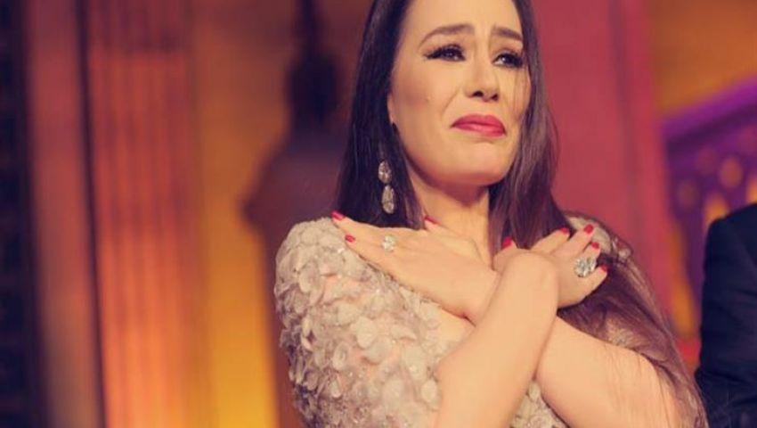 فيديو| لن تتخيل سعره.. شريهان تتبرع بفستان «ألف ليلة وليلة» لأجل بيروت