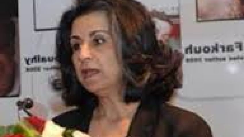 أهداف سويف: التعذيب في السجون شهادة وفاة للدستور الجديد