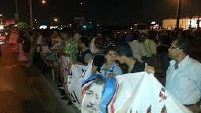 سلسلة بشرية لإخوان المنوفية لرفض الانقلاب