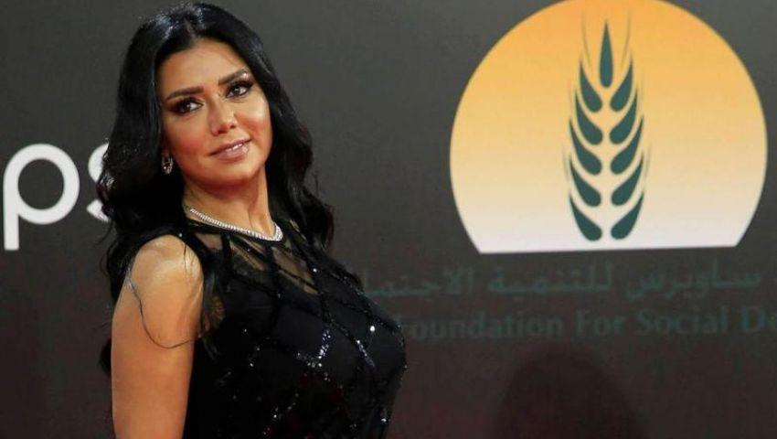 فيديو| بفستان جديد وجلسة تصوير.. رانيا يوسف تُثير الجدل عبر السوشيال ميديا