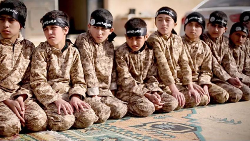 فيديو  تقرير أممي يفضح كيفية تجنيد الحوثيين للأطفال